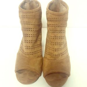 Ny & co opened toed brown heeled shoes size 8